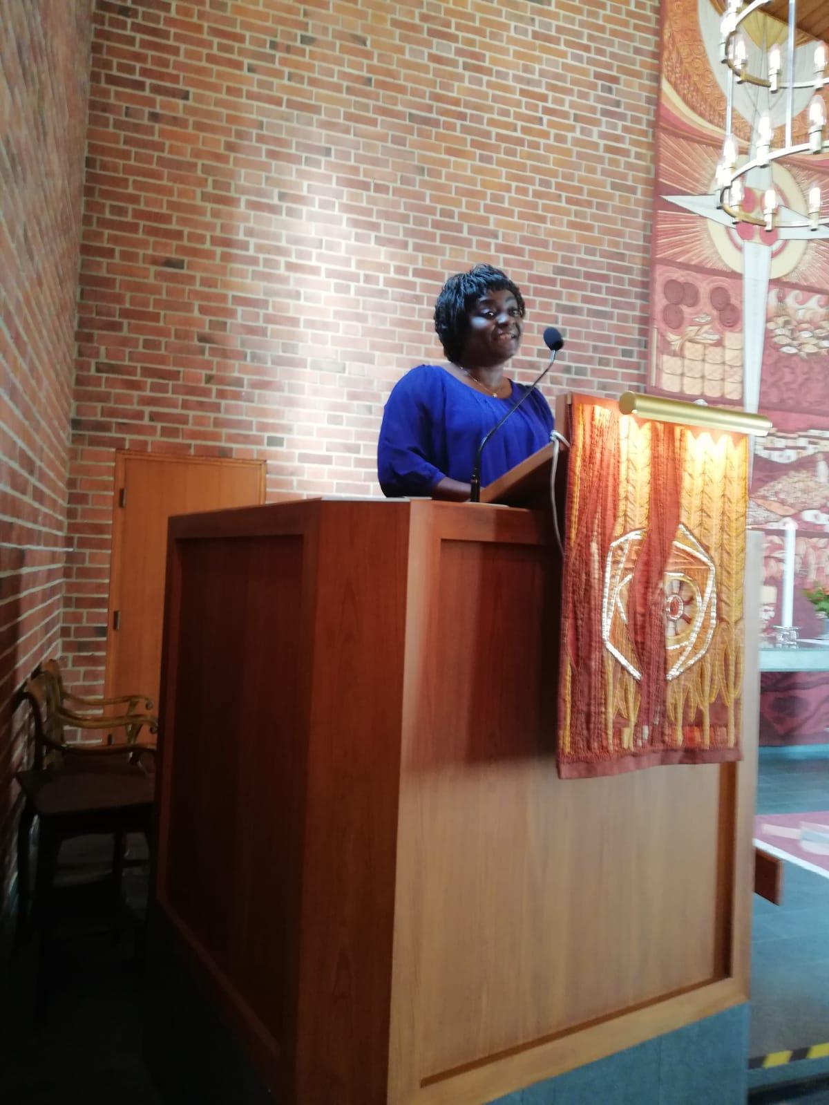Josiane Kamparås predikade och berättade om sitt liv i mission den 23 september.